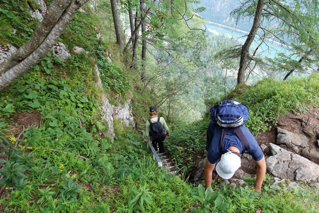 Einstieg in die oberste Leiter des Wasserfallwegs