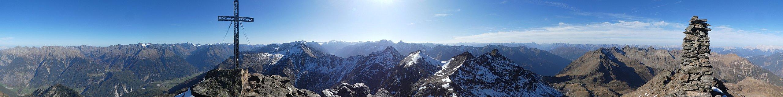 Panorama vom Gipfel des Fundusfeilers