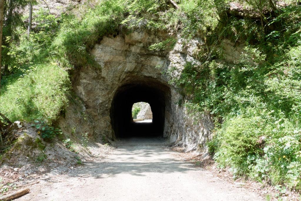 Zwei Tunnel am Weg nach Kufstein (Foto: Martin Heppner)