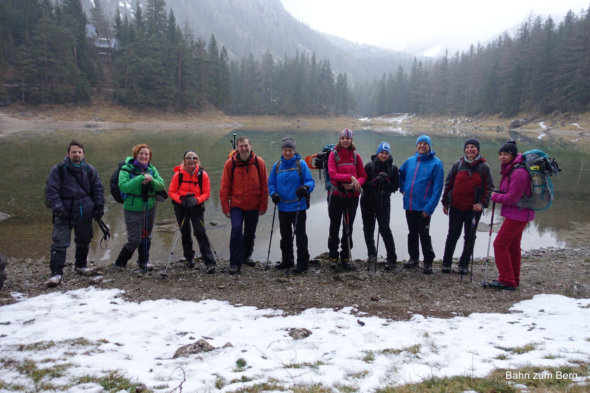 Gruppenfoto vor dem Grünen See