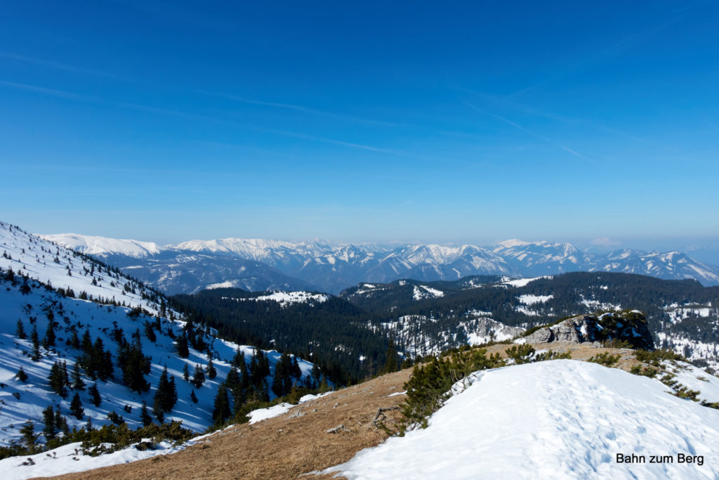 Panorama nach dem Ausstieg aus dem Kletterstück des Fadensteigs.