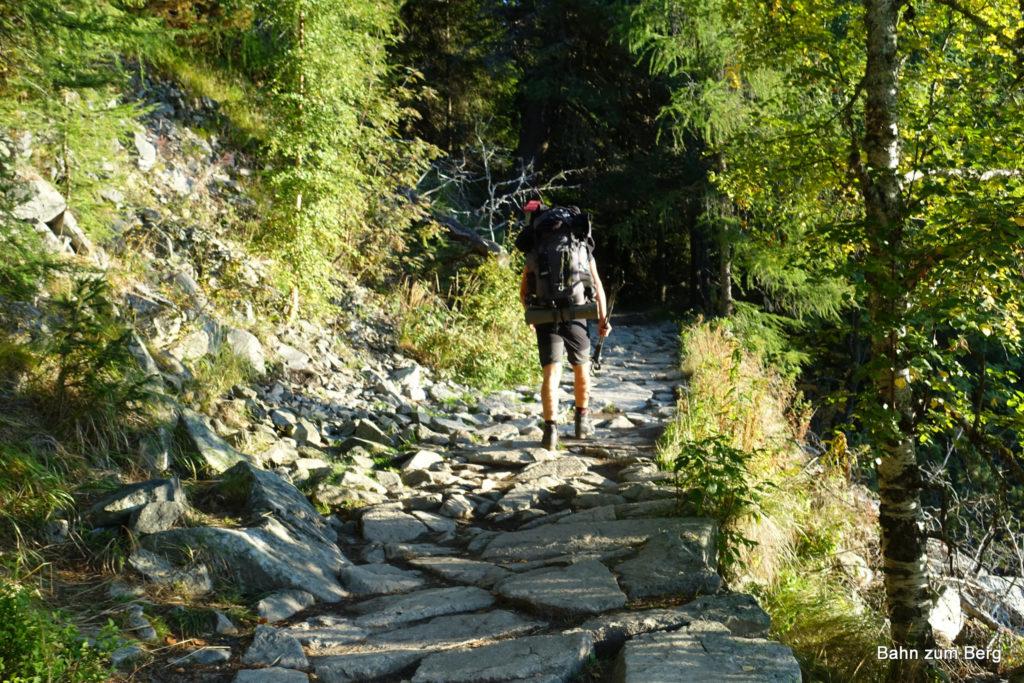 Langer Zustieg durch die Mengusovska Dolina
