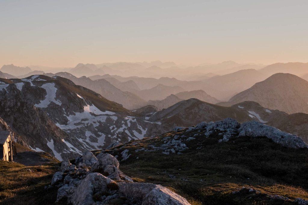 Blick nach Westen zum Schiestlhaus. Foto: Birgit Reiter