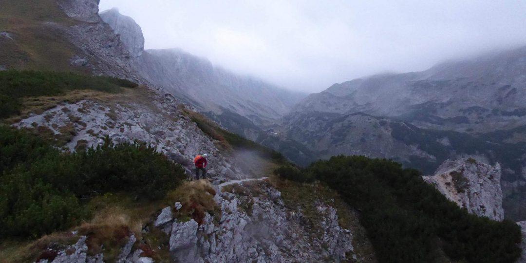 Blick vom Fölzsattel zur Voisthalerhütte hinüber. © 2015 HM