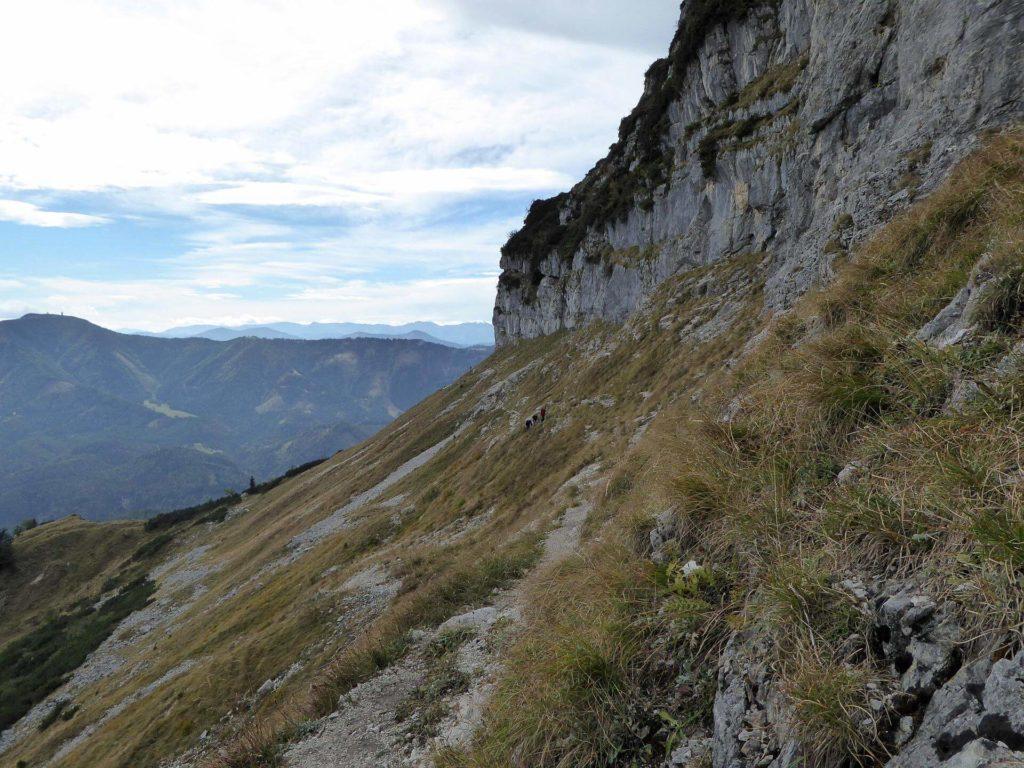 Blick zurück entlang der Felswände.