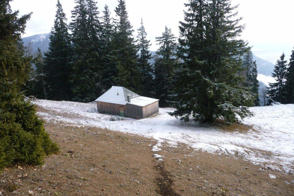Forsthaus auf der Lichtung bei der Stadelwand.