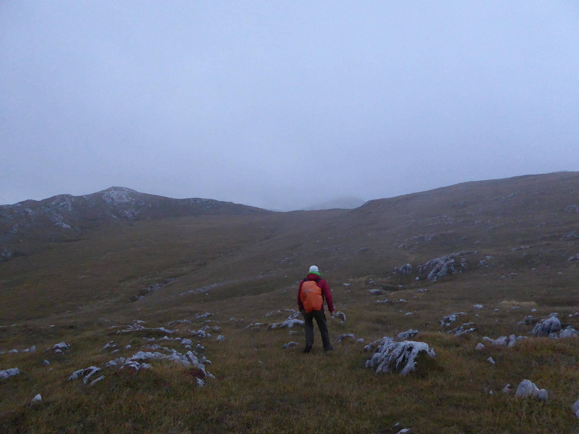 Abstieg vom Kampl zurück zum Weg Richtung Fölzsattel. © 2015 HM