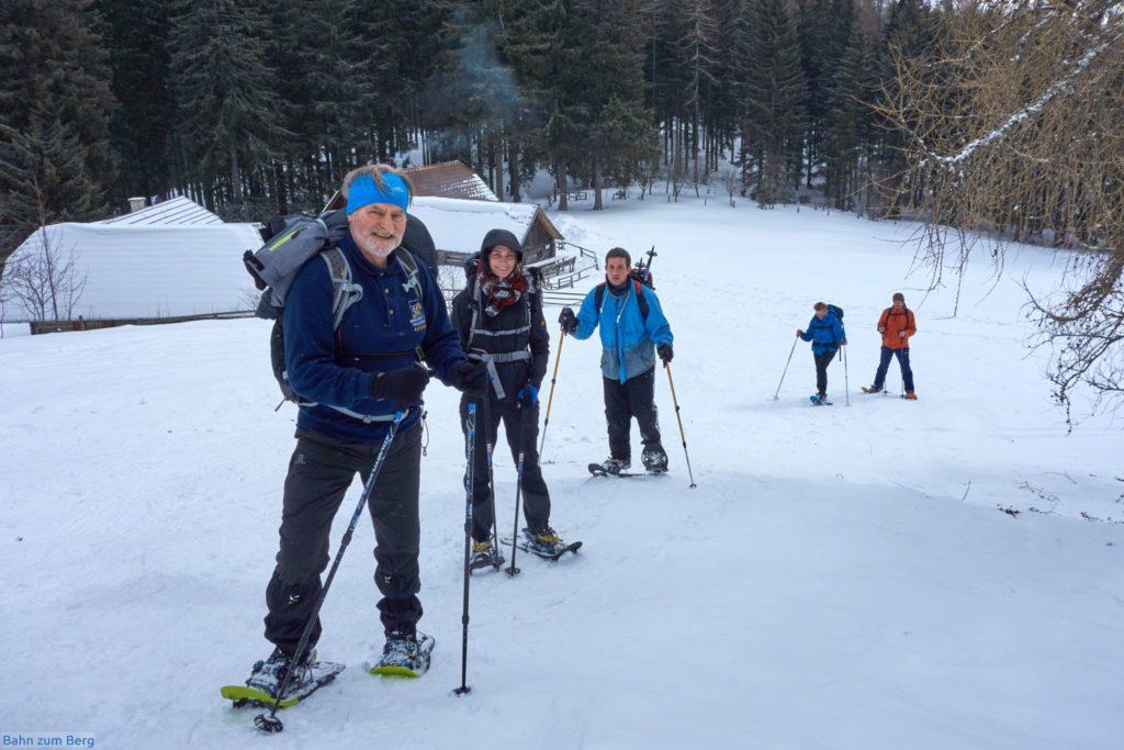Von der Kaarlhütte aus sind es steile 100HM bis zum Gipfel des Kaarl.