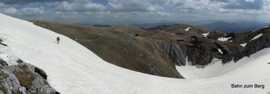 Anfang Mai muss man schon noch mit Schneefeldern rechnen. Foto: Didi T.