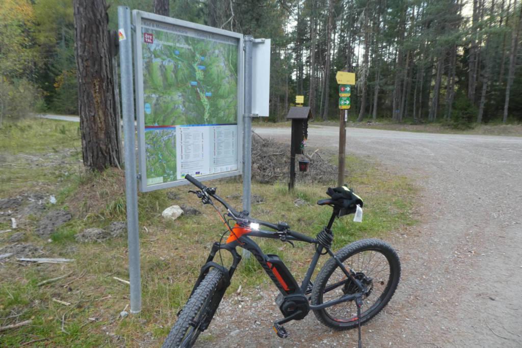Abzweigung zum Einstieg in die Mountainbiketour. Foto: Didi Trummer