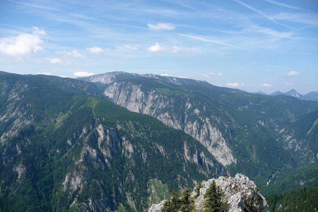 Blick von Stadelwand-Gipfel auf die Rax