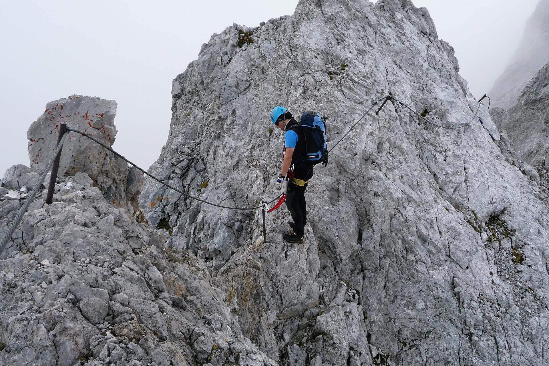 Schmaler Grat am Ramsauer Klettersteig.