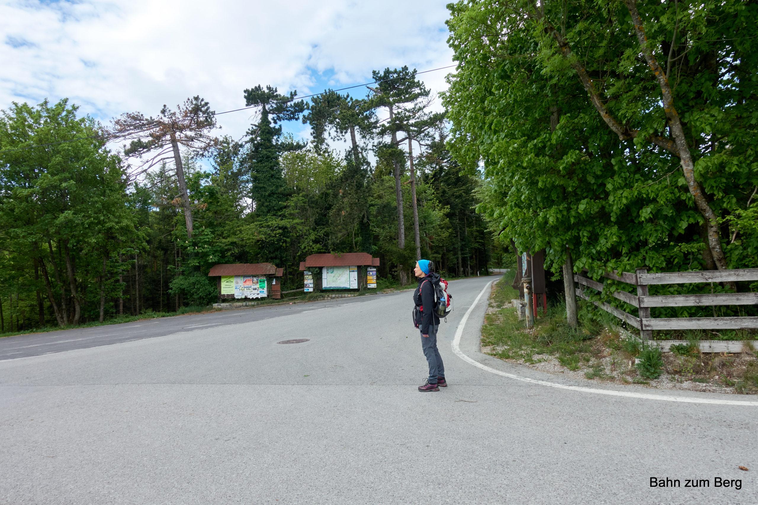 Kreuzung bei der Mündung der Auffahrtsstraße. Foto: Martin Heppner