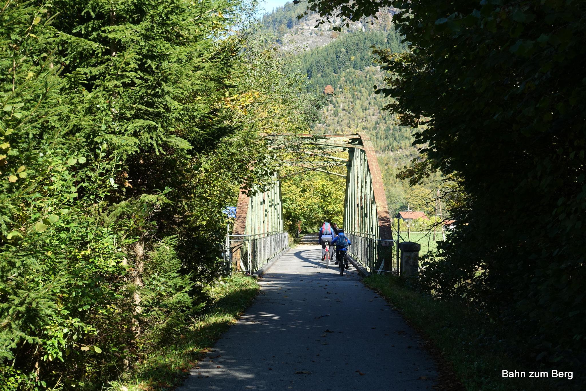 Von Mürzzuschlag bis Kapellen gibt es einen Radweg