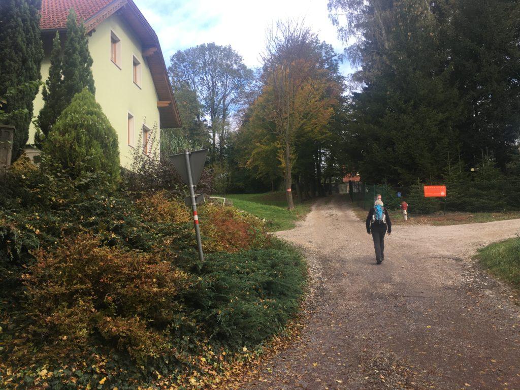 Wanderstart in Rekawinkel. Foto Veronika Schöll