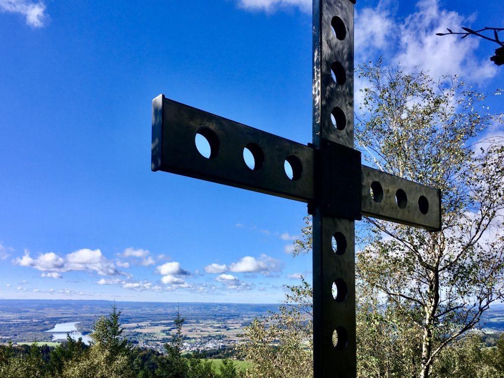 Ein Blick. Ein Kreuz. Foto: Stefan Hochhold