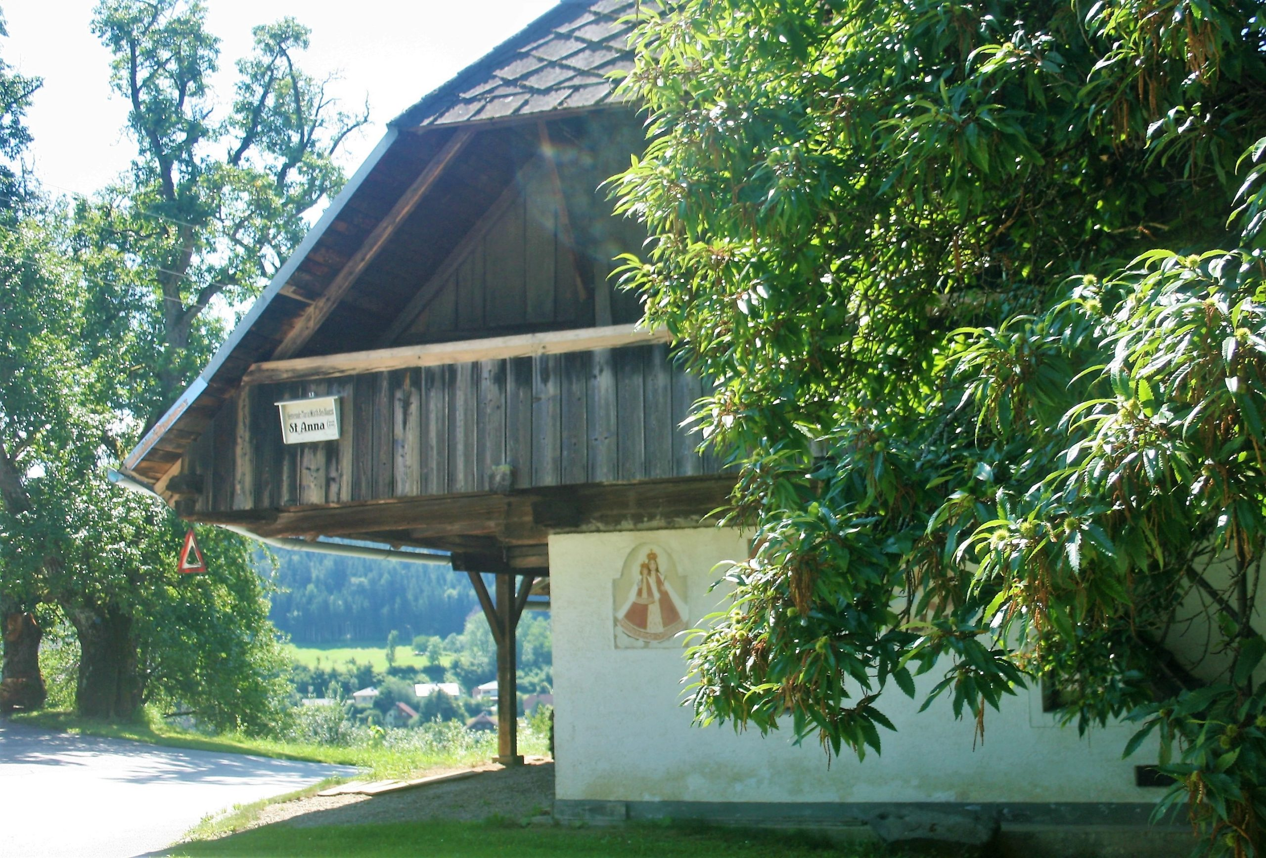 Wegweiser zur Kirche St. Anna. Foto: Birgit Frank