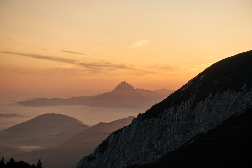 Sonnenaufgang über dem Traunstein. Foto: Martin Heppner