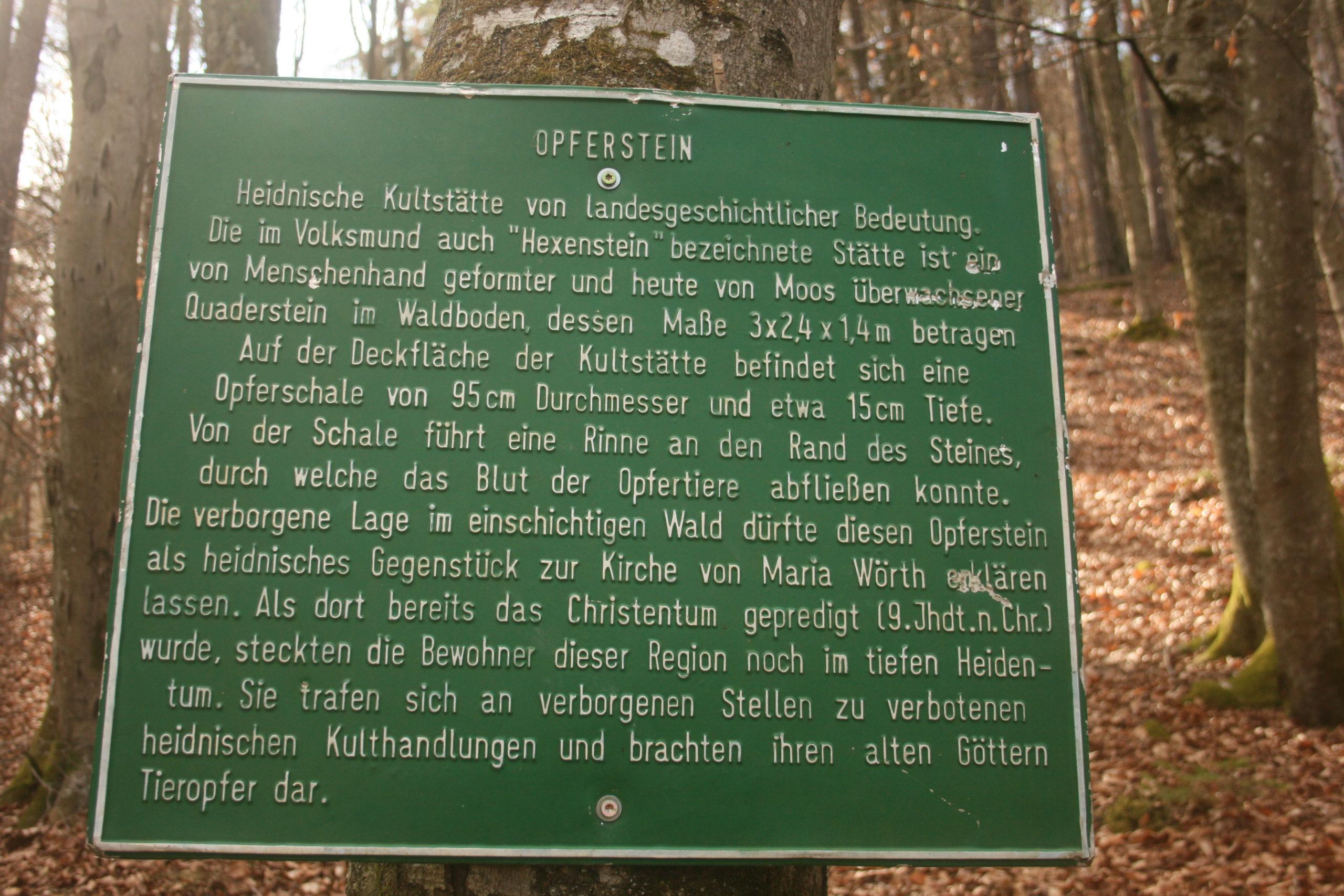 Tafel Opferstein. Foto: Birgit Frank