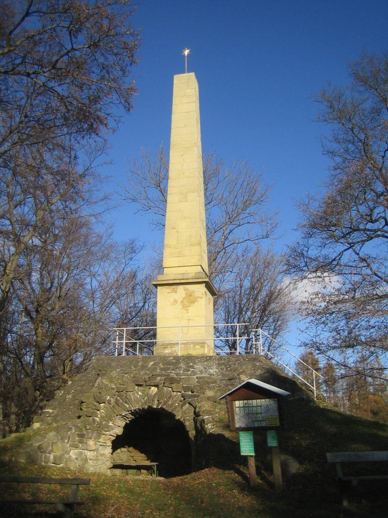 Obelisk in Hadersfeld. Foto: Johann Fischer