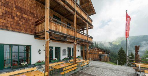 Terrasse der Pinzgauer Hütte. Foto: Alfred Leitgeb
