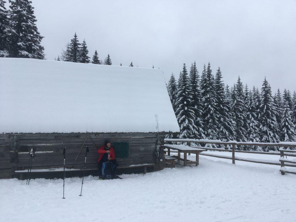 Jause auf der Kaarlhütte. Foto Veronika Schöll