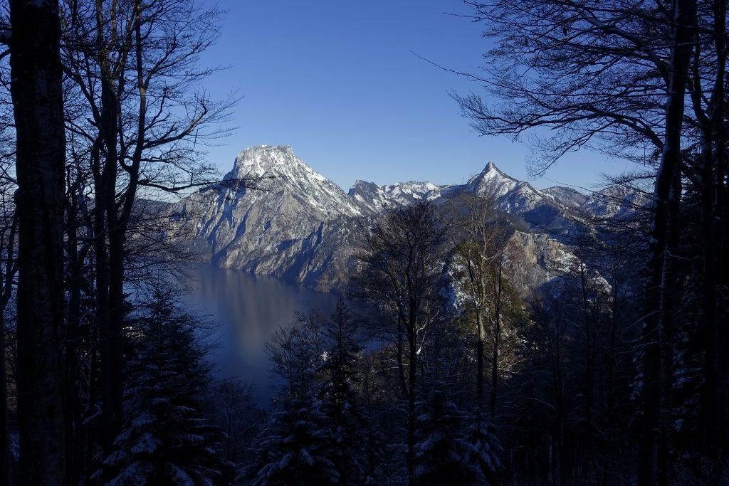Durchblick zum Traunstein. Foto: Peter Backé