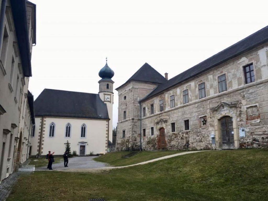 Burg Neuhaus. Foto Veronika Schöll