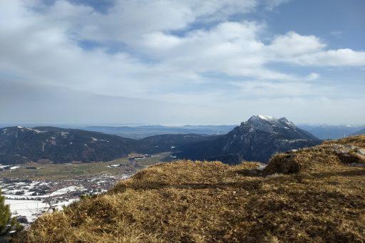 Richtung Osten – rechts im Bild das Massiv des Hochstaufen. Foto: Nikolaus Vogl