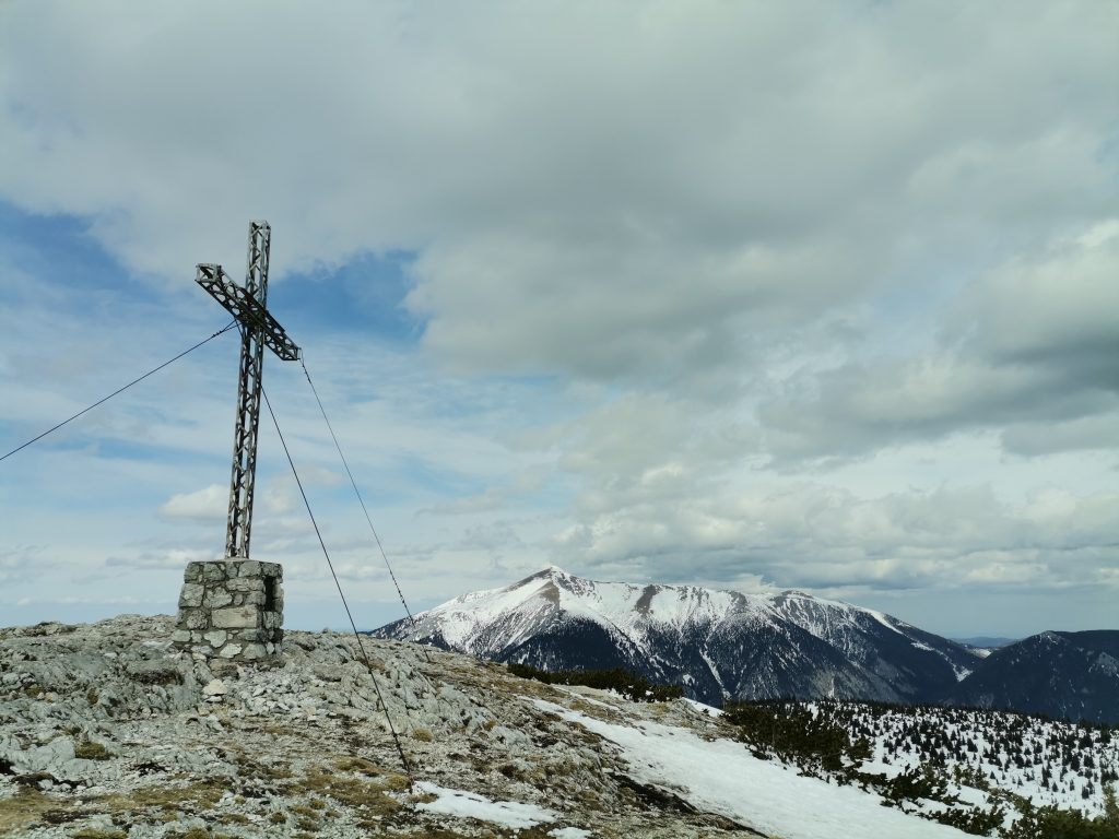 Das zweite Gipfelkreuz am Jakobskogel der heutigen Tour, des erste war auf der Preiner Wand. Foto Veronika Schöll