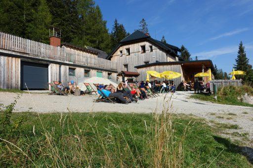 Chillen beim Waxriegelhaus. Foto: Alpenverein Edelweiss