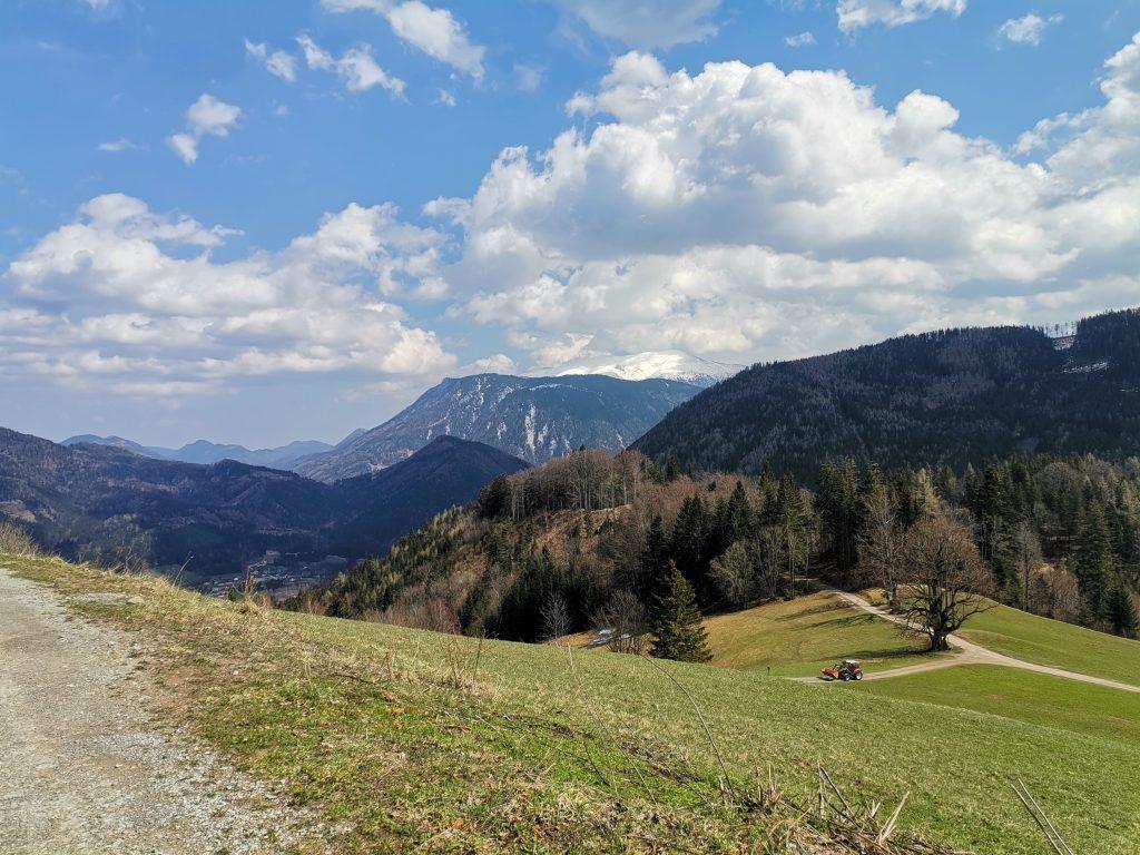 Sanft hinunter nach Hirschbach. Foto Veronika Schöll