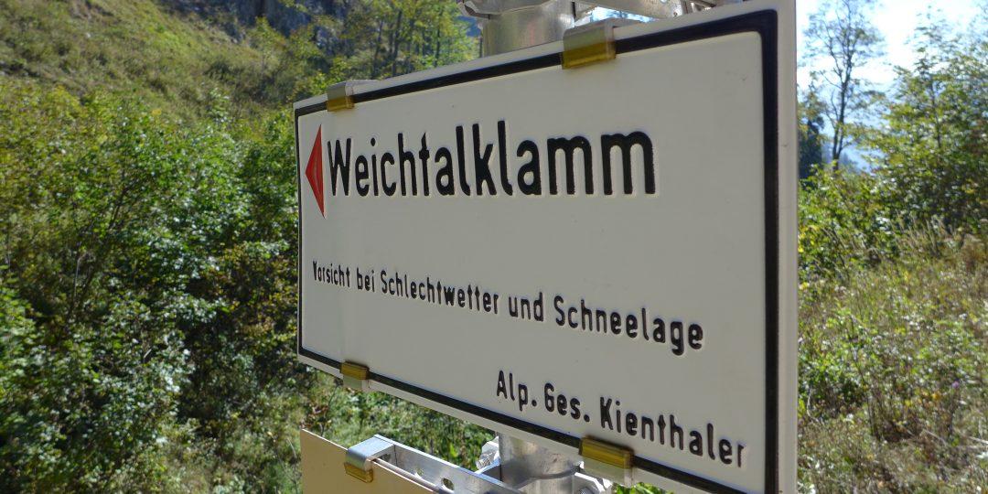 Schild Weichtalklamm. Foto: Alpenverein Edelweiss