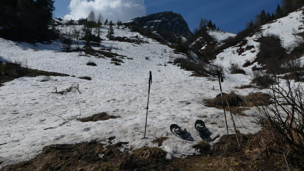 Schneeschuhe mit Schrottwand. Foto: Karl Plohovich