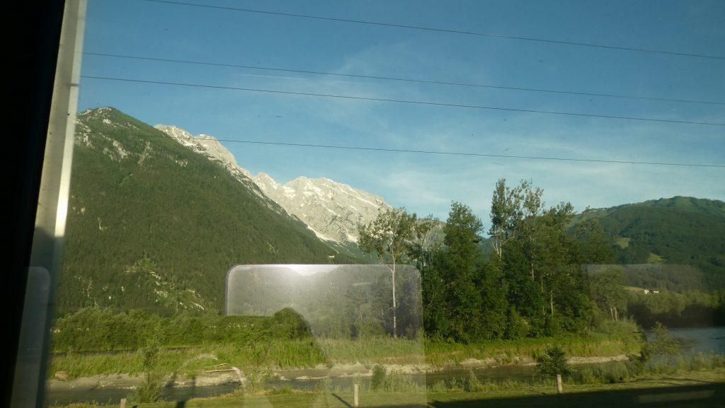 Blick aus dem Zug zum Hohen Göll. Foto: Karl Plohovich