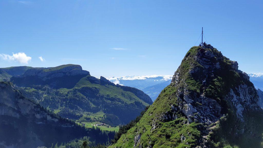 Leichte Kraxlerei auf den Gipfel der Rotspitze. Foto: Konrad Gwiggner