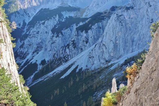 Der steinige Abstieg. Foto: Konrad Gwiggner