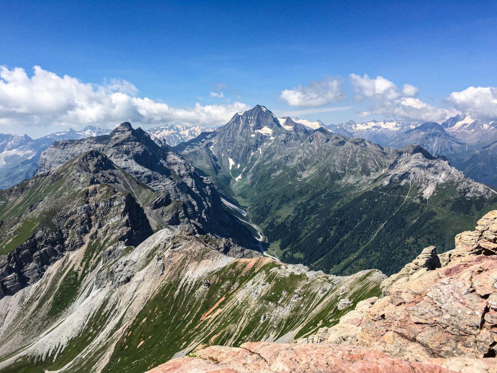 Ausblick von der Kesselspitze zum Habicht (3.277 Meter). Foto: Judith Hammer