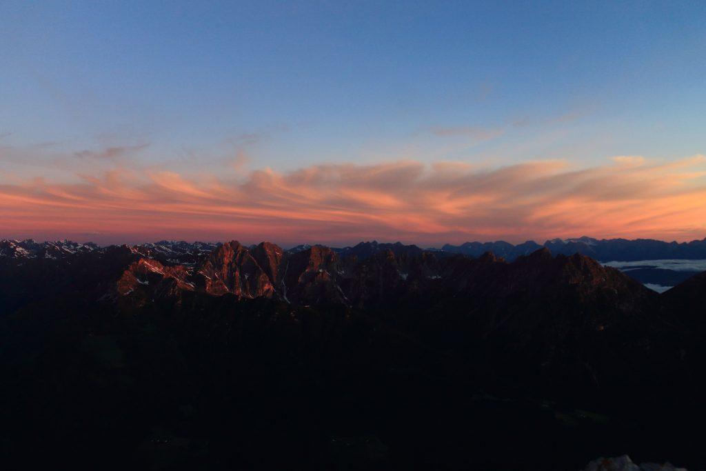 Blick auf die Kalkkögel bei Sonnenaufgang, Foto: Daniel Gratzl