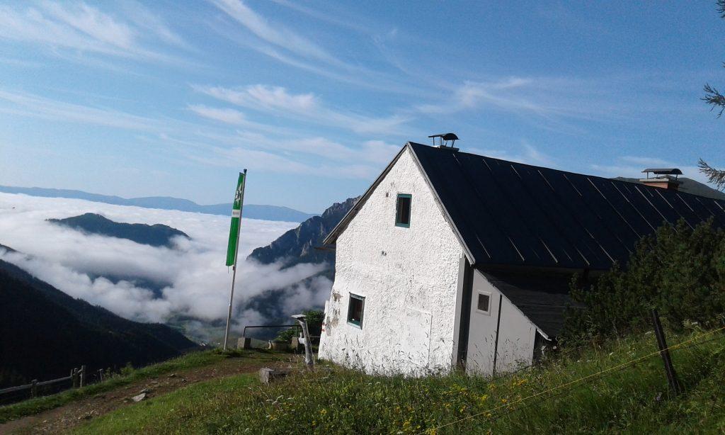 Leobner Hütte über den Wolken. Foto: Petra Jens