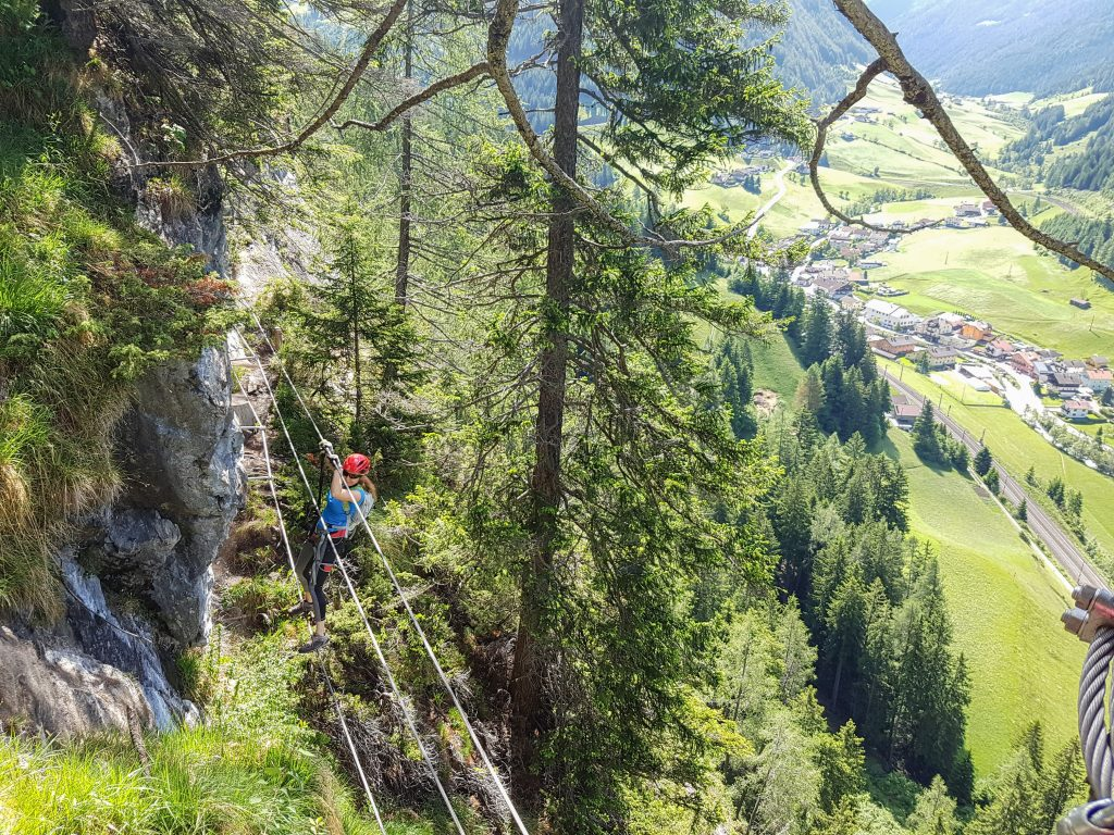Erste Seilbrücke mit tollen Ausblicken. Foto: Judith Hammer