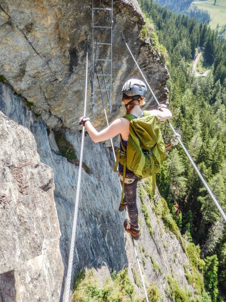 Zweite Seilbrücke mit Leiter. Foto: Judith Hammer