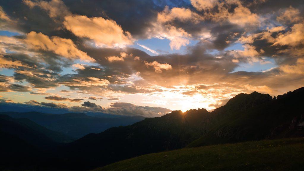 Sonnenuntergang Schlüterhütte. Foto Birgit Matzinger