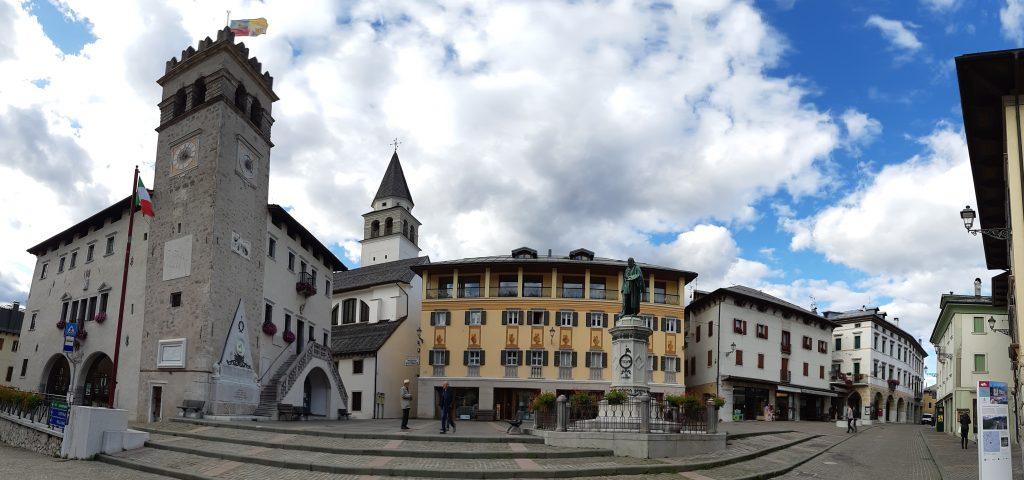 Piazza Tiziano in Pieve di Cadore. Foto: Konrad Gwiggner