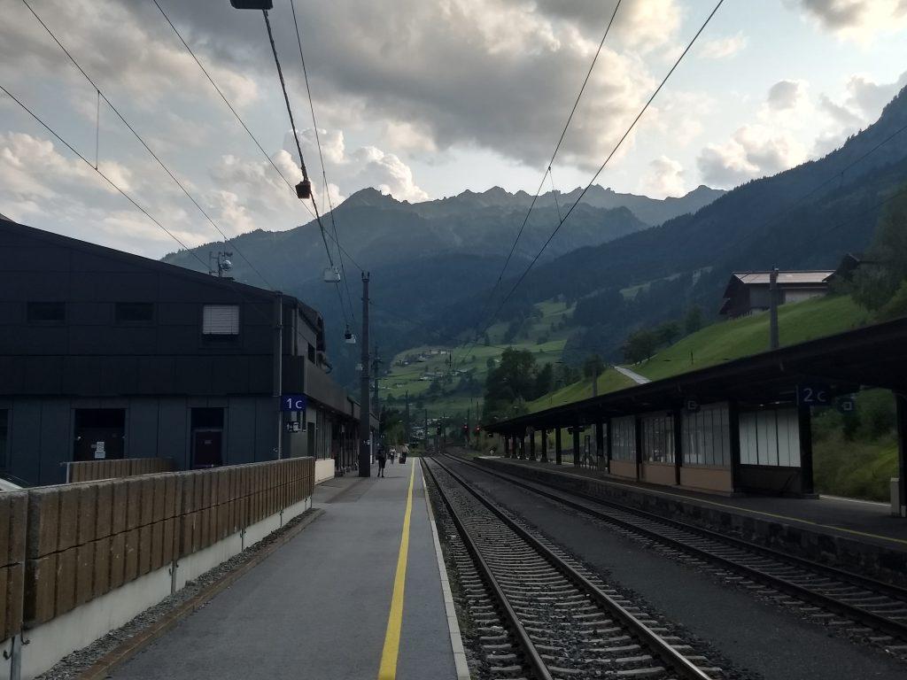 Bahnhof Bad Hofgastein - die Ziel des Tages im Hintergrund. Foto: Nikolaus Vogl