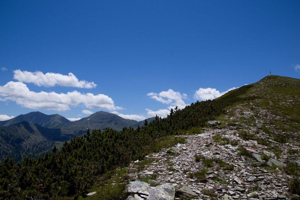 Das letzte Stück zum Gipfelkreuz. Foto: Franz Haas