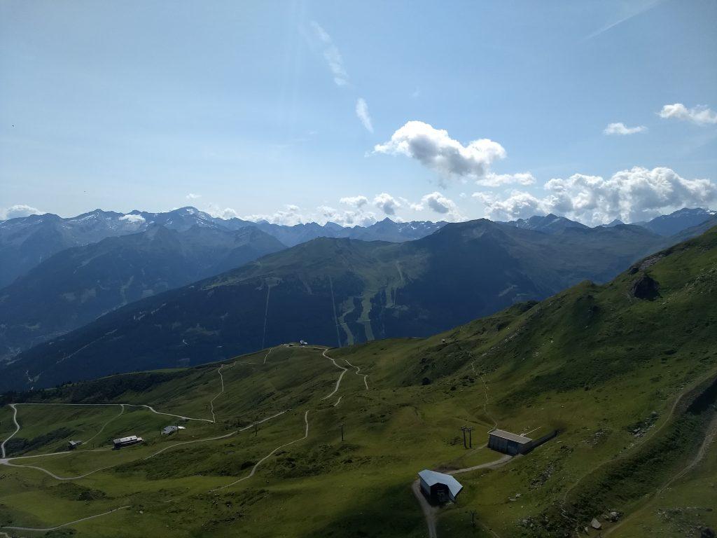 Blick vom Gipfel Richtung Ankogel. Foto: Nikolaus Vogl