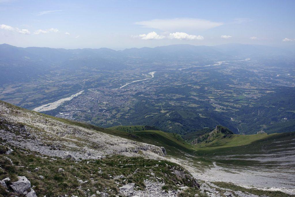 Belluneser Dolomiten Piavetal vom Monte Serva. Foto: Peter Backé