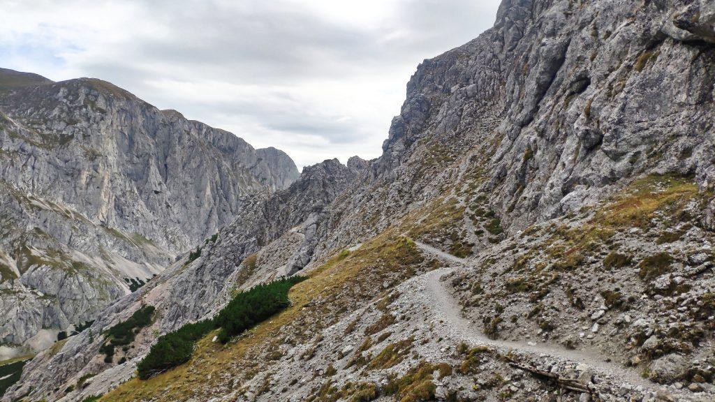Weg nach der Hütte. Foto: Birgit Matzinger