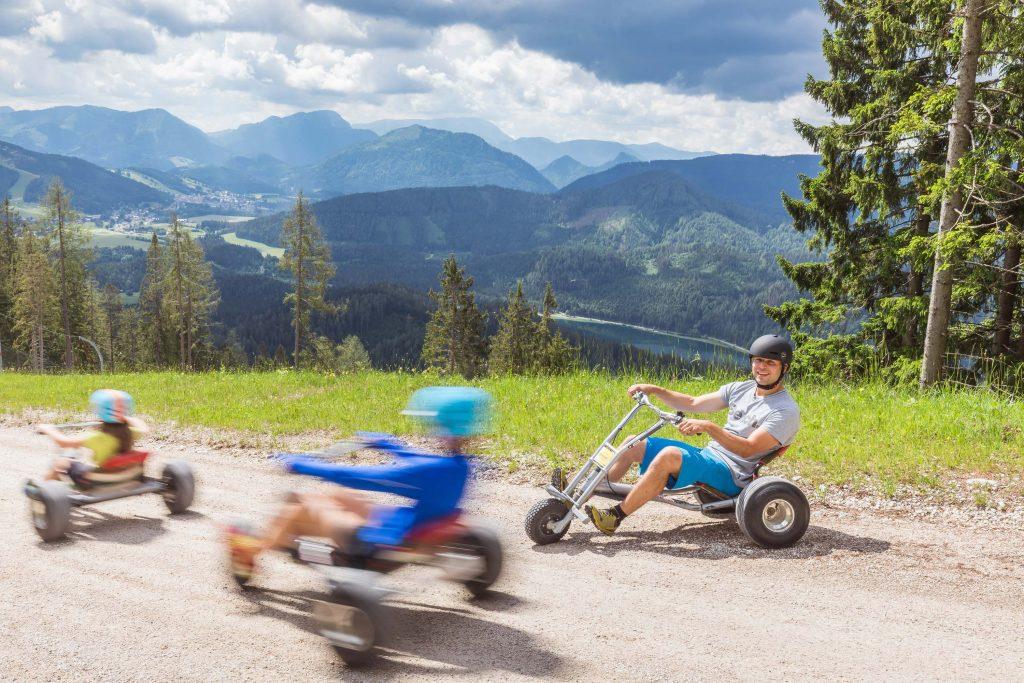 Die Talfahrt mit den Moutaincarts mach richtig Spaß. Foto Fred Lindmoser